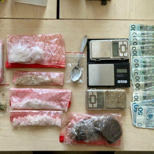 Ćwierć kilograma narkotyków  w pokoju 30-latka