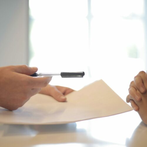 Kiedy należy przetłumaczyć umowę?